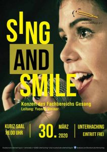 Sing and Smile, Jugendliche singt ins Mikrofon